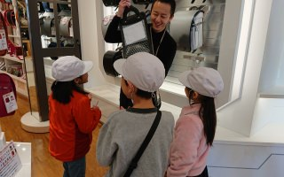 【やまがた町探検】山形本店に小学生が遊びに来てくれました!